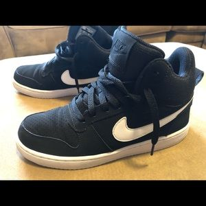 Nike shoes high tops - great condition